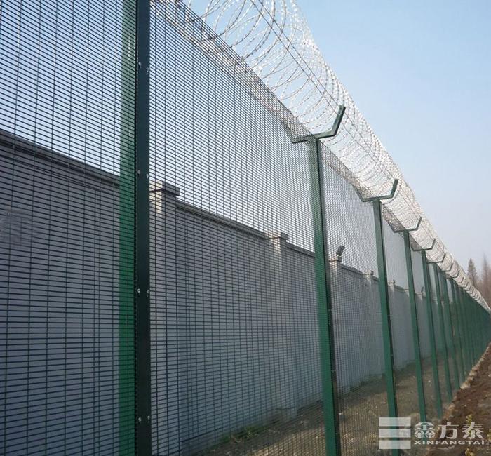 优质机场护栏网