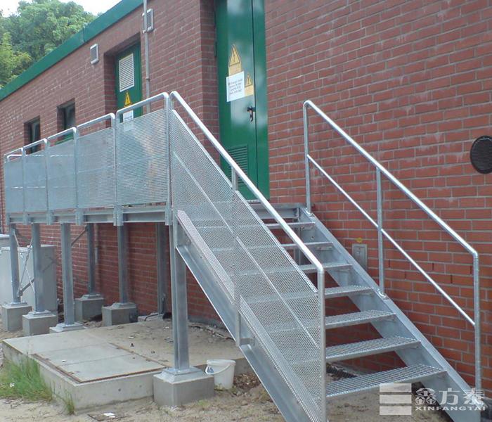 工业钢格板钢梯