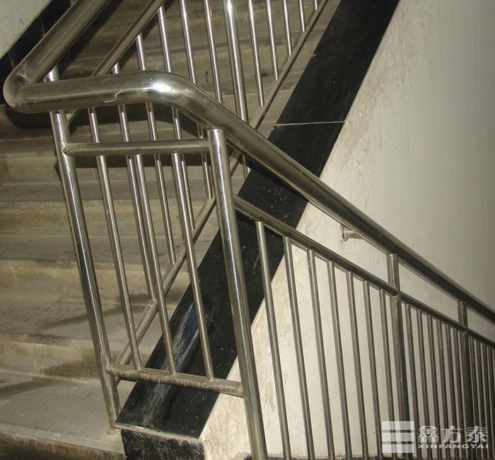 楼梯过道球形栏杆