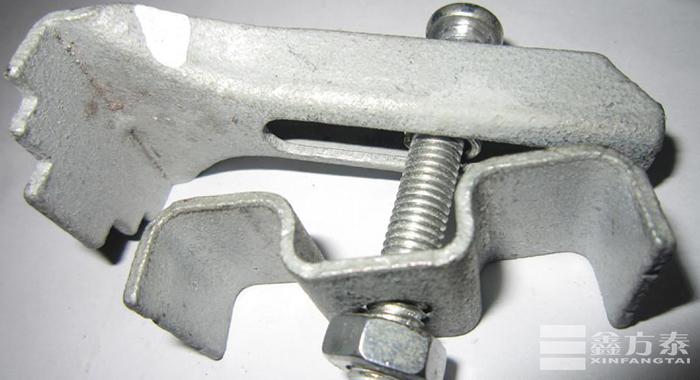 钢格板安装夹拧固状态